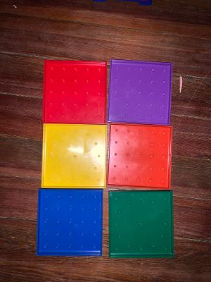 Set of 6 Double-Sided Geoboards – 5×5